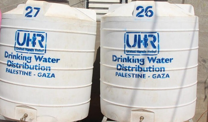 Installing More Water Tanks Around Gaza Neighborhoods